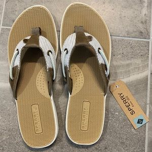 NWT Sperry Seafish Thong Sandals Size 9